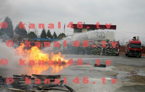 İtfaiye'den fabrika çalışanlarına yangın kursu ve tatbikatı