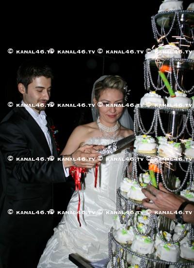 Gamze ve Burak'a görkemli düğün