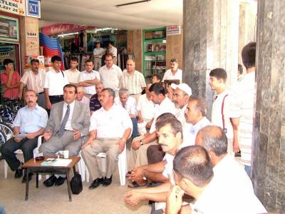 Kemal Yavuz Yeraltı Çarşısı esnaflarını gezdi