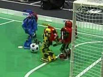Japonya'da robotlar futbol maçı yaptı