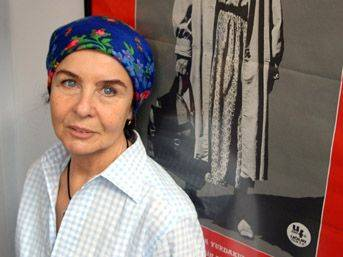 Fatma Girik'e yurt dışından kampanya teklifi