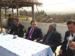 Türkoğlu Kaymakamı, şehit ailesini ziyaret etti
