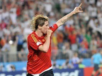 ..Ve şampiyon İspanya!..
