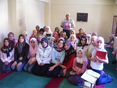 Kur'an Kurslarını başarı ile tamamlayanlara sertifika