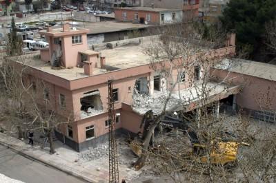 Merkez itfaiye binası yıkıldı