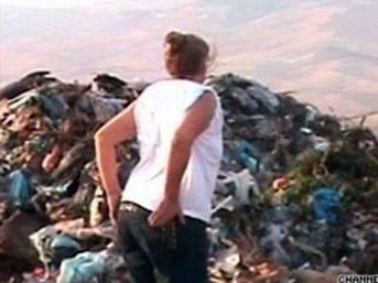 Bilmeden 1 milyon doları çöpe attı!