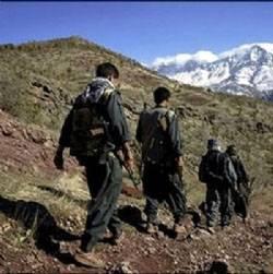 PKK yol kesip, araçlara kurşun yağdırdı!