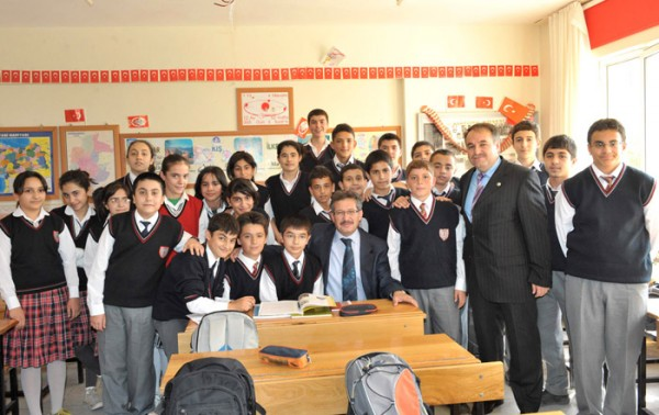 Poyraz okulları ziyaret etti