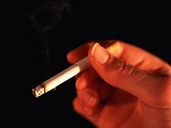 FLAŞ: İçtiği sigara ağzında patladı!
