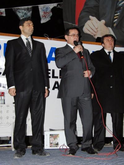 Bakan Demir'in konvoyuna Karacasu'da protesto!