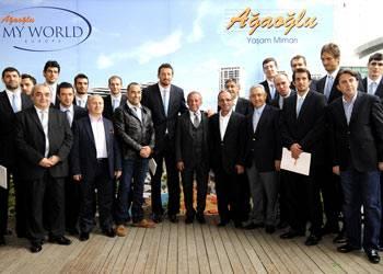 Ağaoğlu, 12 dev adam'a dairelerini verdi