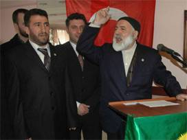 Hak ve Hakikat Partisi MHP'nin oylarına talip...