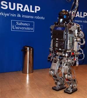 Türkiye'nin ilk insansı robotu tanıtıldı