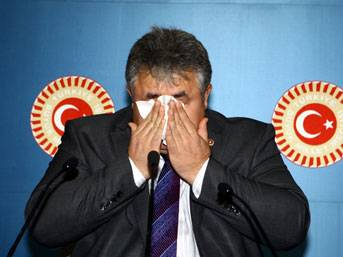 CHP'li vekil gözyaşlarına boğuldu!