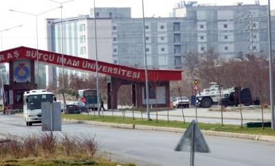 FLAŞ: Sütçü İmam Üniversitesi'nde 'poşi' gerginliği!