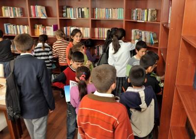 Karacasu'da Belediye Halk Kütüphanesi açıldı..