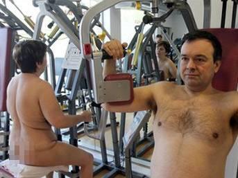 İspanya'da çıplaklara özel spor salonu!...