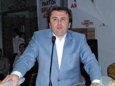 Ak Parti Teşkilatı'nın iftarına bin davetli katıldı...