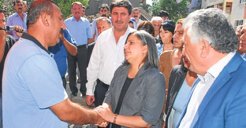 BDP heyetine 'taziye'de soğuk karşılama..
