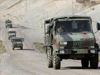 Bitlis'te askeri konvoya saldırı!..
