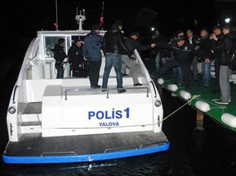 FLAŞ: Deniz otobüsü kaçırıldı!..