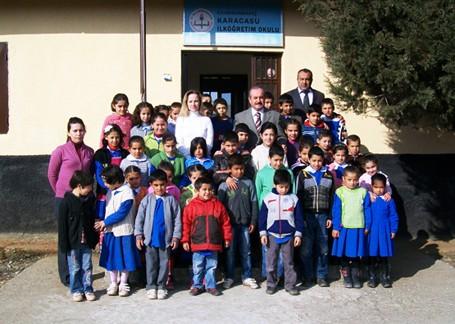 Vali Kocatepe'den Karacasu'daki okullara ziyaret..