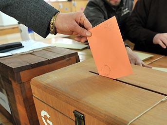 Yerel seçimler 6 ay öne çekilecek...