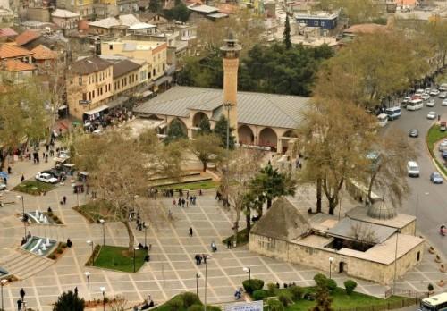 Ulu Camii'nin bahçesinde kemikler bulundu...