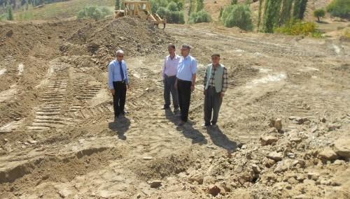 Kabaktepe Köyü'ne futbol sahası yapılıyor..
