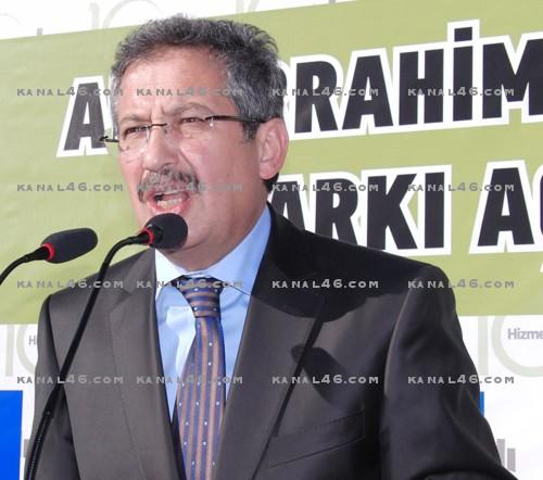 Şair Abdurrahim Karakoç'un ismi parkta yaşıyor..
