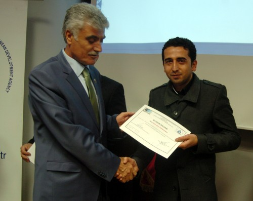 Eğitimi başarıyla tamamlayan 84 kursiyere sertifika…