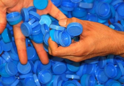 Mavi kapaklara müşteri aranıyor!...