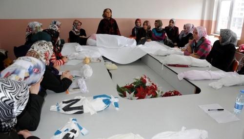 Kayseri'de kadınlara cenaze yıkama kursu..