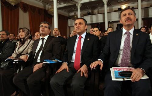 Merhum Abdurrahim Karakoç Azerbaycan'da anılıyor