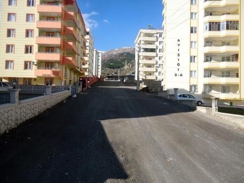 Hürriyet Mahallesi'nin yolları yapılıyor..