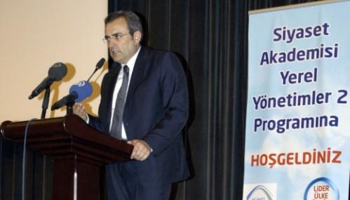 'Atatürk'ün anayasasını darbeciler değiştirdi'