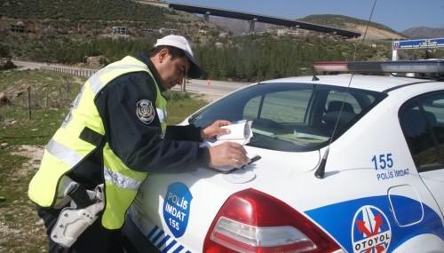 Belediye hoparlöründen trafik eğitimi..