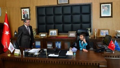 23 Nisan Valisi ve Belediye Başkanından talimatlar..