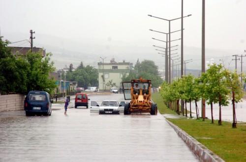 Şiddetli yağış etkili oldu..