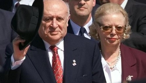 Nazmiye Demirel vefat etti..