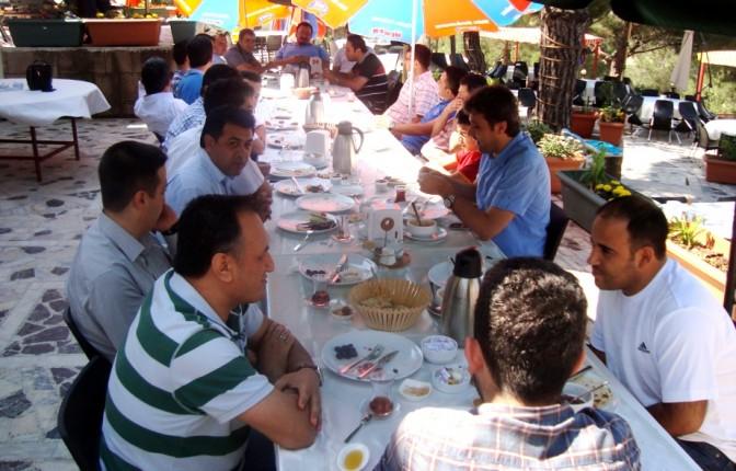 KALİDA'lı bilişimciler kahvaltıda bir araya geldi..