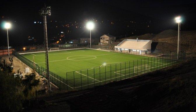 Çağlayancerit  Stadyumu hizmete hazır..