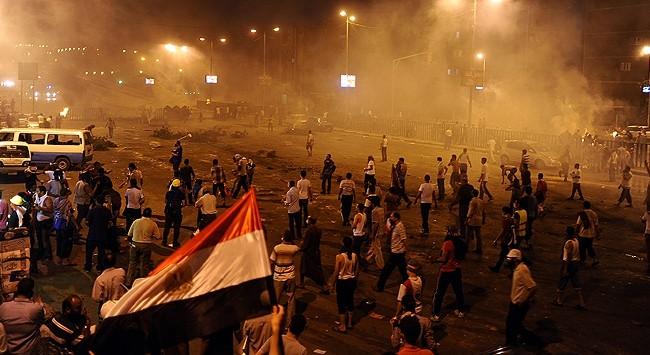 Mısır'da katliam: 200 ölü var