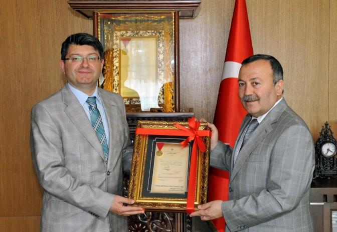 Moğolistan Büyükelçisi Belediye'yi ziyaret etti