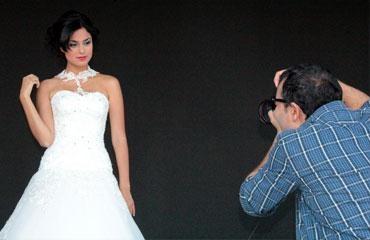Rafet El Roman'dan nişanlısına katalog çekimi