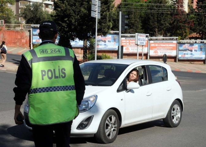 Emniyet sürücülere ceza yağdırdı