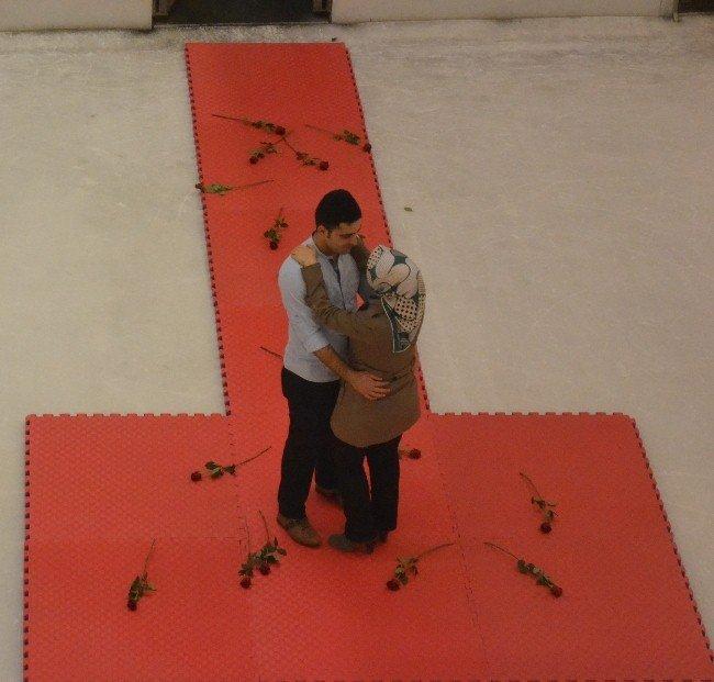 AVM'de Romantik evlenme teklifi