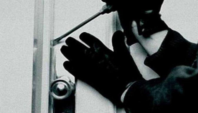 Hırsızlar Düdüklü Tencereden Su Saatine Kadar aldı