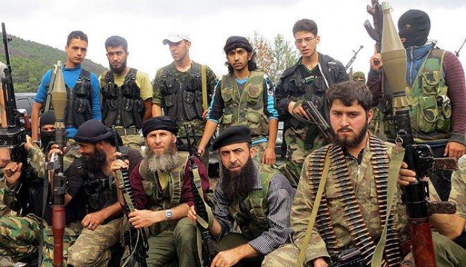 Özgür Suriye Ordusu mühimmat deposu ele geçirdi