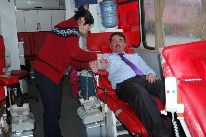 Beyoğlu'nda Kan Bağışı kampanyasına büyük ilgi